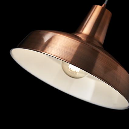 Suspension en cuivre rétro vintage pour éclairer au dessus d'une table de cuisine Moby par Ideal lux