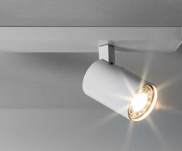 r glette de 3 spots blanc mat pour clairer une salle de bain ip20 ascoli triple par. Black Bedroom Furniture Sets. Home Design Ideas