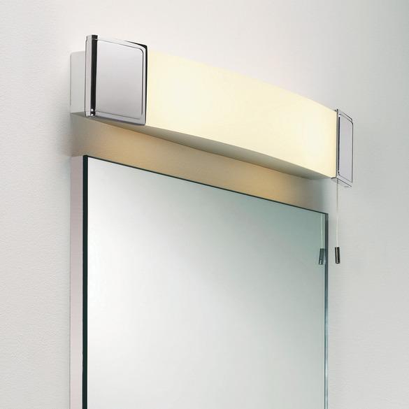 Applique dessus de miroir de salle de bain avec prise rasoir et s che cheveux anja shaver par - Miroir salle de bain avec eclairage et prise ...