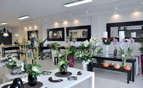 éclairage d'une boutique de fleurs