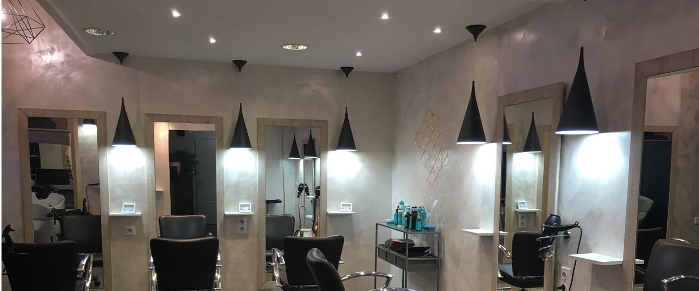 éclairage d\'un salon de coiffure avec des Suspensions ...