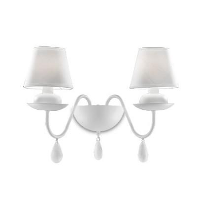 Applique avec abat jours blancs pour salle à manger Blanche par Ideal lux AP2