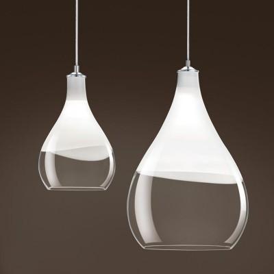 Suspension en forme de goutte en verre pour éclairer au dessus d'une table ou d'un comptoir Glass Drop par Trio
