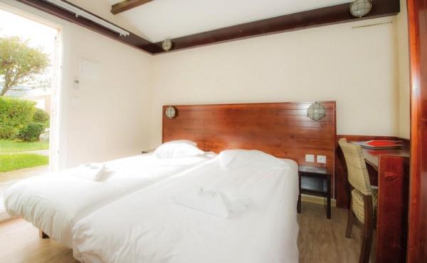 appliques tête de lit pour un village de vacances de bord de mer